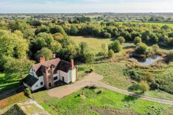 Detached House For Sale  Brockdish Norfolk IP21