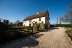 Detached House For Sale  Gislingham Suffolk IP23