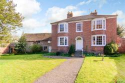 Detached House For Sale  Waterside Worcestershire WR8