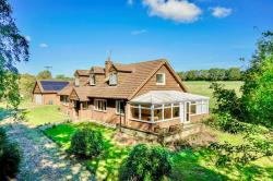 Detached House For Sale  Whipsnade Bedfordshire LU6