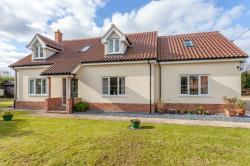 Detached House For Sale  Foxley Norfolk NR20