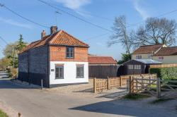 Detached House For Sale  Stanfield Norfolk NR20