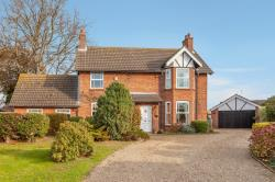 Detached House For Sale  Oulton Broad Suffolk NR32