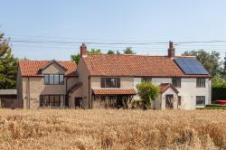 Semi Detached House For Sale  Haddiscoe Norfolk NR14