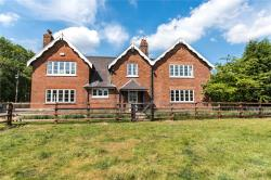 Detached House For Sale Lincolnshire  Lincolnshire DN20