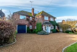 Detached House For Sale St Ippolyts Hitchin Hertfordshire SG4