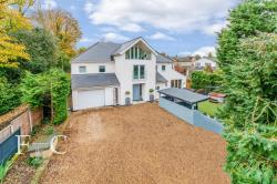 Detached House For Sale  Broxbourne Hertfordshire EN10