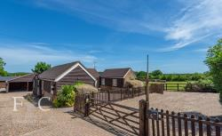 Detached Bungalow To Let  Nazeing Essex EN9
