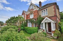 Detached House For Sale 39 Newport Road Cowes Isle of Wight PO31