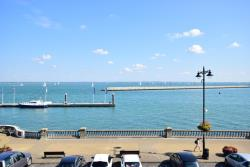 Flat For Sale The Parade Cowes Isle of Wight PO31