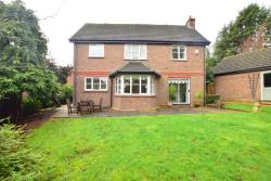 Detached House For Sale Essex  Essex IG10