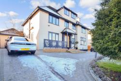 Detached House For Sale Essex Loughton Essex IG10