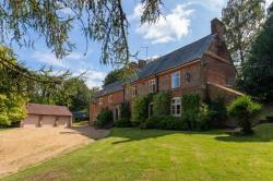Detached House For Sale Great Brickhill Milton Keynes Buckinghamshire MK17