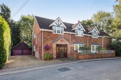 Detached House For Sale Milton Bryan Milton Keynes Buckinghamshire MK17