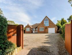 Detached House For Sale   Berkshire RG14