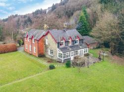 Detached House For Sale  Llandinam Powys SY17