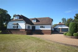 Detached House For Sale  Meopham Kent DA13