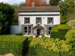 Detached House For Sale  Cobham Kent DA12