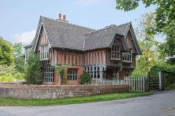 Detached House To Let Stoke Holy Cross Norwich Norfolk NR14