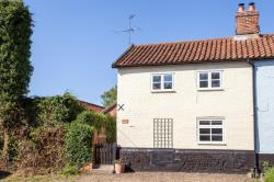 Semi Detached House For Sale  New Buckenham Norfolk NR16