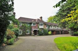 Detached House For Sale London Road Rickmansworth Hertfordshire WD3