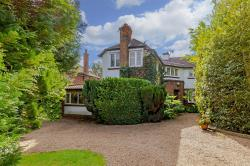 Detached House For Sale   Hertfordshire WD7