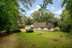 Detached House For Sale  Studham Bedfordshire LU6