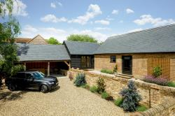 Detached House For Sale  Kensworth Bedfordshire LU6