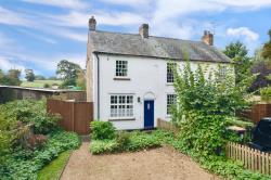 Terraced House For Sale  Kensworth Bedfordshire LU6