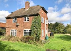Other To Let  Leverstock Green Hertfordshire HP3