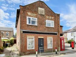 Flat To Let  High Street Hertfordshire AL3