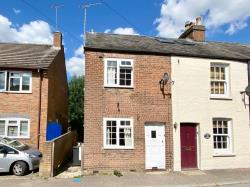 Terraced House To Let  Markyate Hertfordshire AL3