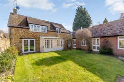 Detached House For Sale  Daventry Northamptonshire NN11