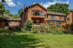 Detached House For Sale  Welton Northamptonshire NN11