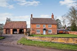 Detached House For Sale  Winwick Northamptonshire NN6