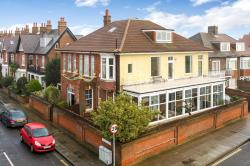 Flat For Sale Eastern Parade Southsea Hampshire PO4