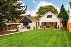 Detached House For Sale Clanfield Waterlooville Hampshire PO8