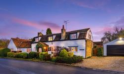 Detached House For Sale  Bourne Lincolnshire PE10