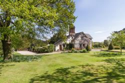 Detached House For Sale  Beeston Cheshire CW6