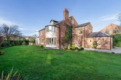 Detached House For Sale  Oscroft Cheshire CH3