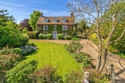 Detached House For Sale Offley Hitchin Hertfordshire SG5