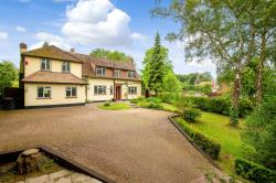Detached House For Sale  Waterford Hertfordshire SG14