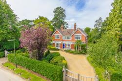 Detached House For Sale Homefield Road Warlingham Surrey CR6