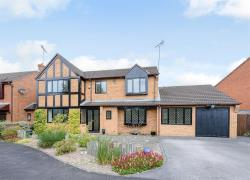 Detached House For Sale Barbourne Close Solihull West Midlands B91