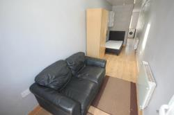 Flat To Let  Winsdon Hill Bedfordshire LU1