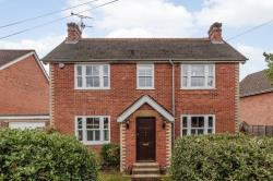 Detached House For Sale  Crowthorne Berkshire RG45