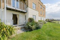 Flat For Sale  East Cowes Isle of Wight PO32