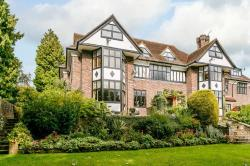 Flat For Sale  East Grinstead East Sussex RH19