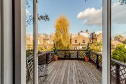 Terraced House For Sale  London Greater London SW14