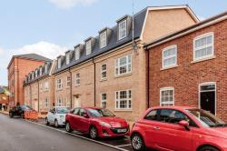 Flat For Sale 121-125 Main Street Dickens Heath West Midlands B90